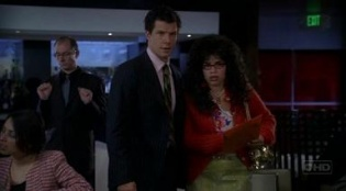 Ugly Betty 01x03 : Queens for a Day- Seriesaddict